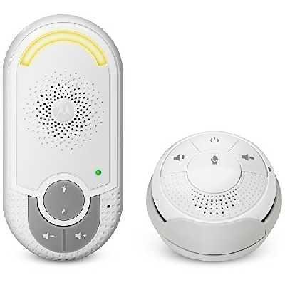 Motorola Baby MBP 140 - Babyphone audio DECT avec prise murale plug 'n go et unité parents petite et portable, éco mode et veilleuse, couleur blanc