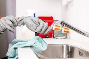 Comment faire le ménage et le repassage plus vite ?