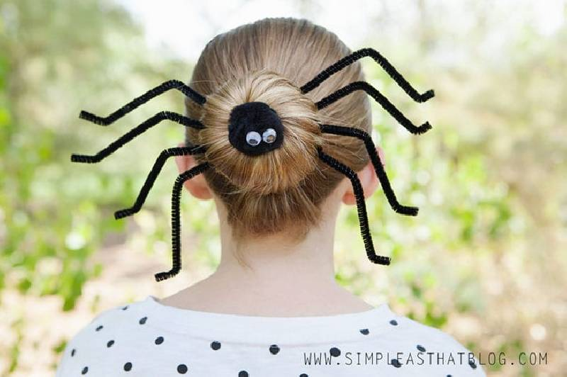 coiffure araignée halloween