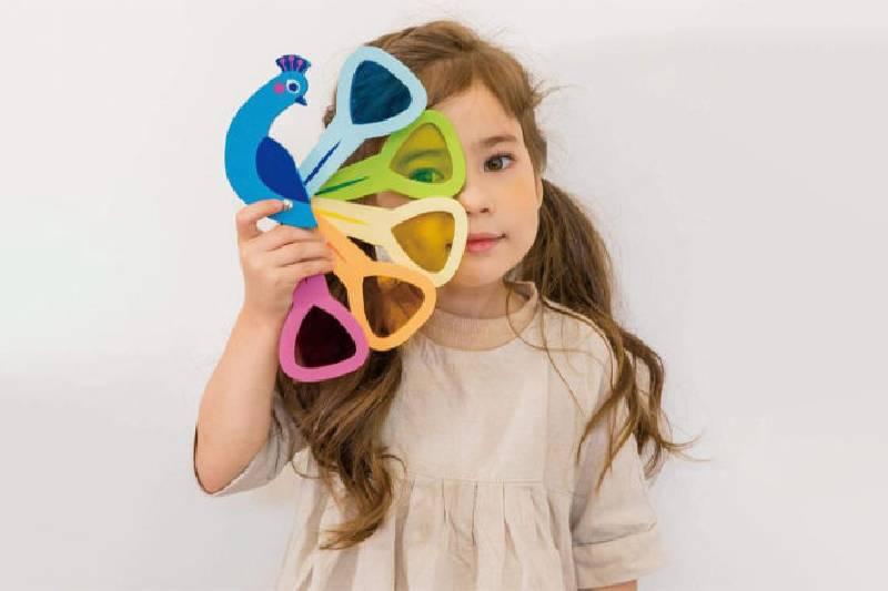 Les meilleurs jouets pour les enfants de 2 ans : Couleurs de paon à feuilles tendres